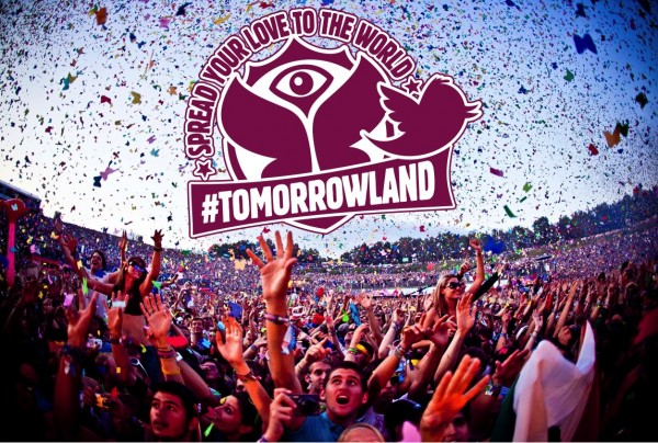 Tomorrowland-2013-FANS-600x404